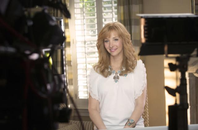 Lisa Kudrow doesn't get the internet, but the internet gets 'The Comeback'