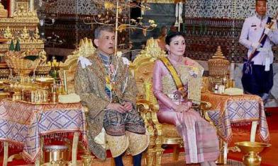 泰王攜20嬪妃躲德國 人民怒了