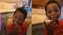 """Bless, filho de Bruno Gagliasso e Gio Ewbank, mostra o seu black power: """"Igual ao Babu"""""""