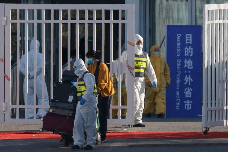 China's new imported coronavirus cases at record; no domestic transfers for second day