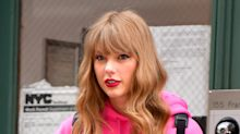 Taylor Swift Paid Nearly $3,000 to Look Like a N.Y.C. Tourist