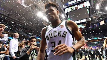 Giannis needlessly says he'll be a 'Buck for life'