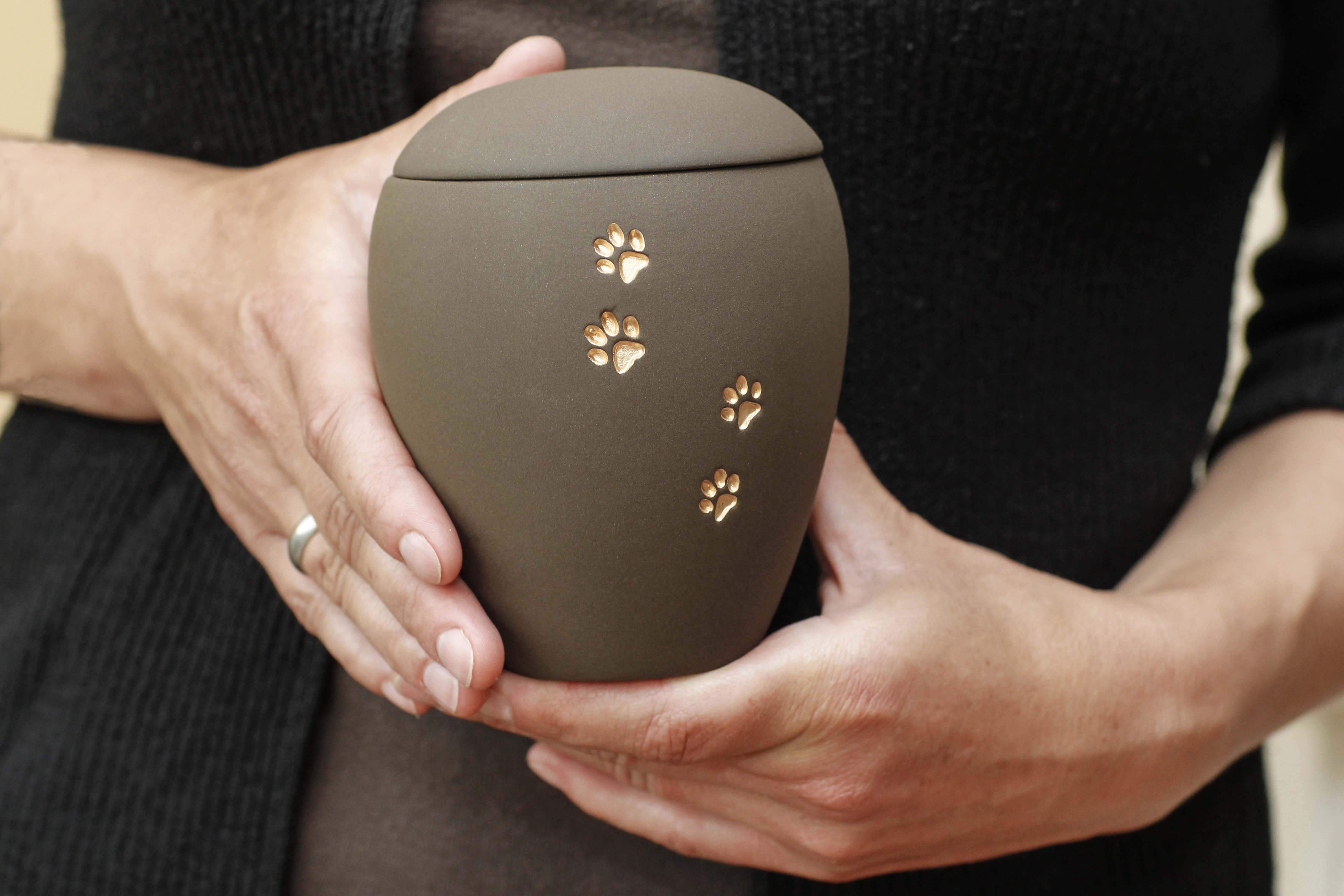 Yahoo Poll: Are tighter rules needed for the pet cremation industry?
