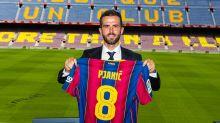 """Longe de CR7, Pjanic agora se declara a Messi: """"o maior de todos os tempos"""""""