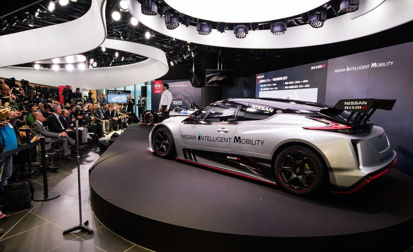 <p>Forget for a moment the wing, detachable body panels, and fixed plastic windows that press the NISMO RC into the mold of a Global Rallycross race car.</p>