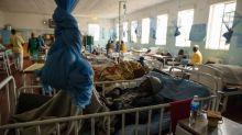 Zimbabwe, almeno 42 morti nell'incendio di un bus