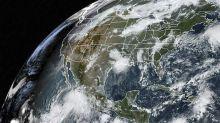 Lorena volta a se tornar furacão ao se aproximar de Los Cabos