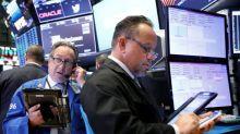 S&P 500 y Dow Jones suben apoyados en sector financiero, Microsoft presiona al Nasdaq