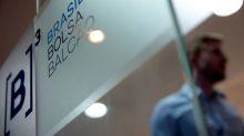 Ibovespa cai 1,3% em dia de agenda cheia e exterior misto