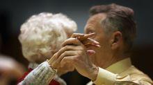 « J'aime faire la fête » : le secret d'une centenaire pour avoir une longue vie