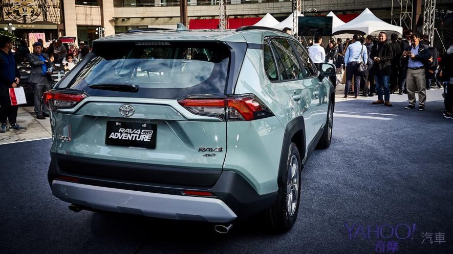 休旅王者霸氣回歸!第5代Toyota Rav4汽油/油電正式登台92.5萬起! - 16