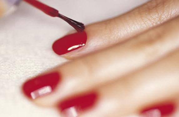 This manicure is also a roofie detector