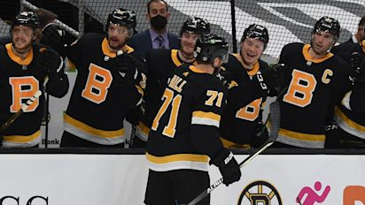 Boston glee party: Hall, Bruins stay hot