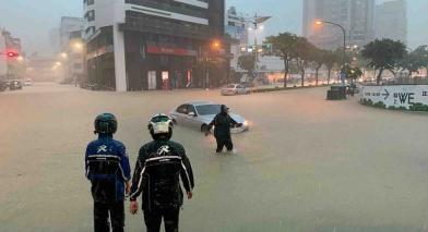 中南部仍要防大雨 晚上趨緩