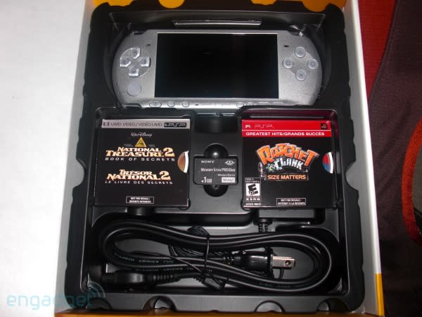 PSP-3000 sneaks out a bit early, suffers an unboxing