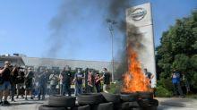 """Trabajadores de Nissan en España: """"Nos dejan tirados en medio de la pandemia"""""""