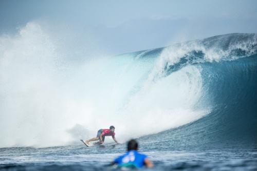 Ítalo Ferreira brilha e avança em Gold Coast