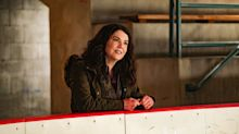 Lauren Graham plays another hysterical, feisty mom in new 'Mighty Ducks' Disney+ series