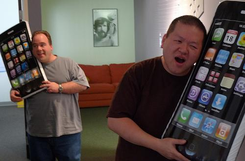 Relax, the iPad isn't going to kill the iPhone