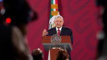 Austeridad de López Obrador le obliga a largo viaje a Washington