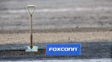 UPDATE 1-Foxconn sharply scales back Wisconsin investment