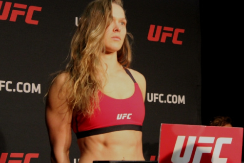 Ronda Rousey é ex-campeã do pesos-galos (61 kg) do UFC - Diego Ribas