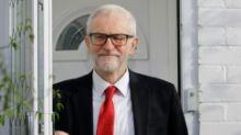 Pemimpin oposisi Inggris Jeremy Corbyn minta maaf kalah Pemilu
