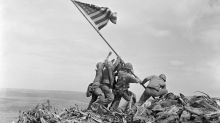 Historiadores encuentran la verdadera identidad de otro de los seis marines que izaron la bandera estadounidense en Iwo Jima