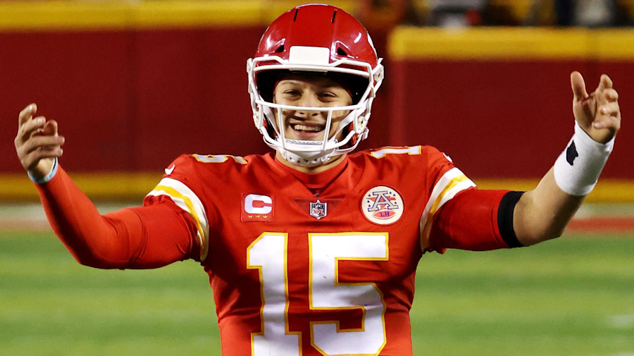 Mahomes' ring-chasing of Brady begins now