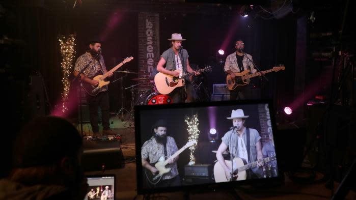 Live streaming payant, TikTok, jeux vidéo, #MusicToo : les évolutions musicales de 2021 en sept questions