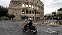 Roma, sindacati edili: fate lavorare noi per buche strade