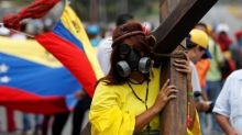 "At ""sit-ins"" and barricades, Venezuela protesters try to keep momentum"