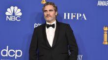 Joaquin Phoenix vai usar o mesmo terno nas premiações deste ano