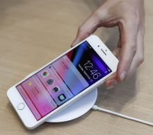 Apple will launch a 'completely wireless' iPhone