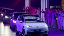El lado oscuro del auto eléctrico: la revolución verde que puede dejar a millones sin trabajo