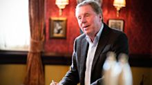 'EastEnders' shares another glimpse at Harry Redknapp's cameo