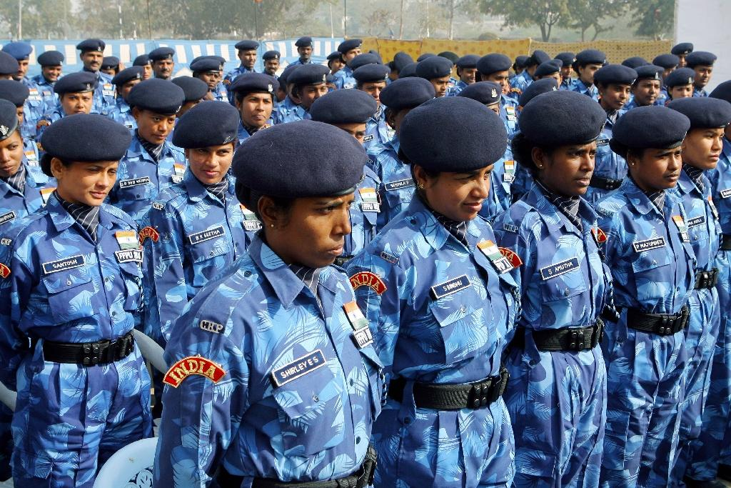 Female para-military soldiers from the Rapid Action Force at a ceremony in New Delhi on January 18, 2007 before departure to Liberia on a United Nations Peacekeeping mission (AFP Photo/Raveendran)