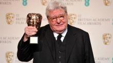 """Alan Parker, réalisateur britannique de """"Midnight Express"""" et """"Fame"""", est mort à l'âge de 76ans"""