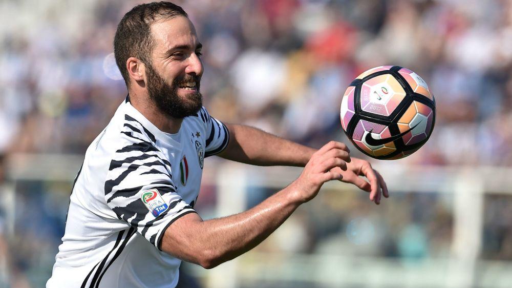 "Juventus, Higuain : ""Je ne sais pas si le 3-0 sera suffisant"""