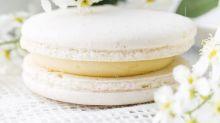 Cyril Lignac révèle sa recette des macarons amande, noisette, et nous fait succomber
