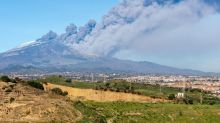 Flights disrupted to the Mediterranean by Etna eruption