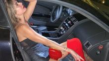 Luciana Gimenez usa look de R$ 14 mil para ir à balada