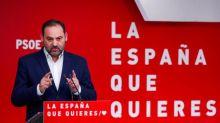"""El PSOE defiende la renovación del 80% en sus listas y critica la """"criba"""" del PP"""