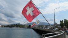 """Référendum d'initiative citoyenne des """"gilets jaunes"""" : en Suisse, cela incite le Parlement à """"tenir compte de l'opinion des citoyens"""""""