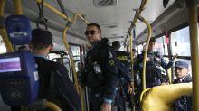 Bandidos incendeiam ônibus e caminhão de lixo no Ceará