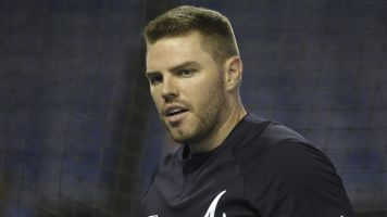 Braves' Freeman tests positive for COVID-19