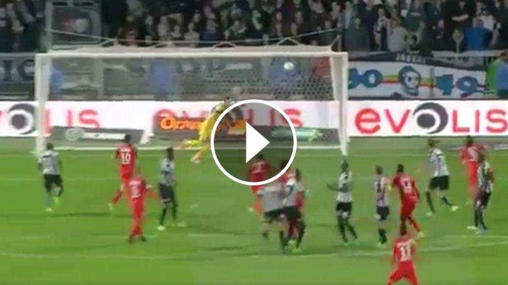 VIDEO: ¡De tiro libre! Ángel di María metió el primero de PSG ante Angers