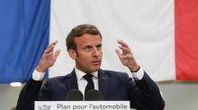 """Un discours """"à la hauteur de la situation""""  : réactions après les annonces d'Emmanuel Macron pour relancer l'industrie automobile"""