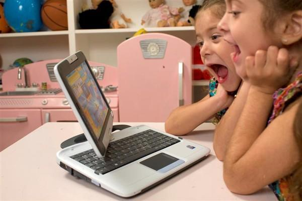 PeeWee debuts drop and spill-resistant Pivot Tablet Laptop