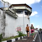 U.S. Man Escapes Bali Prison After Cutting Through Ceiling's Steel Bars